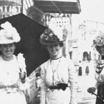 Three women b/w